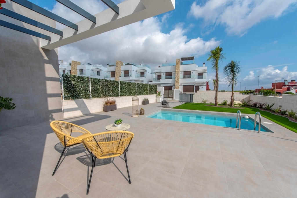 New townhouses in Orihuela Costa