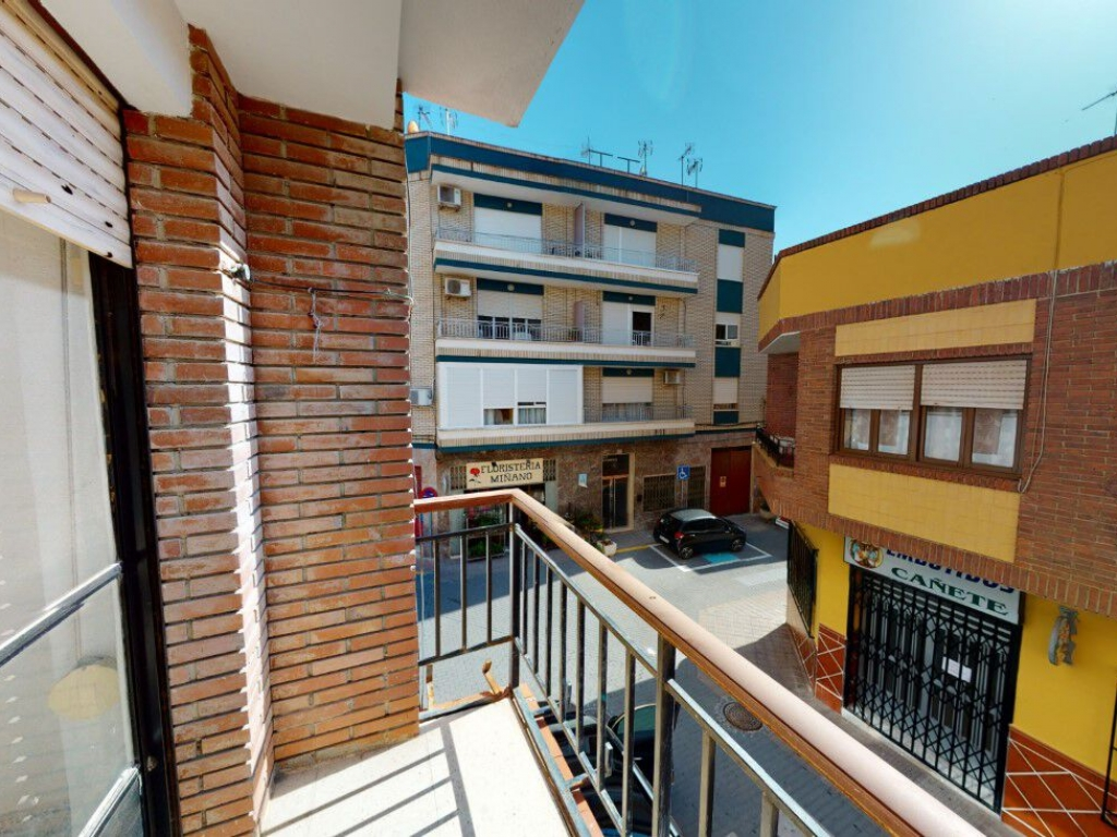 3 Bedroom 1 Bathroom Apartment in Blanca