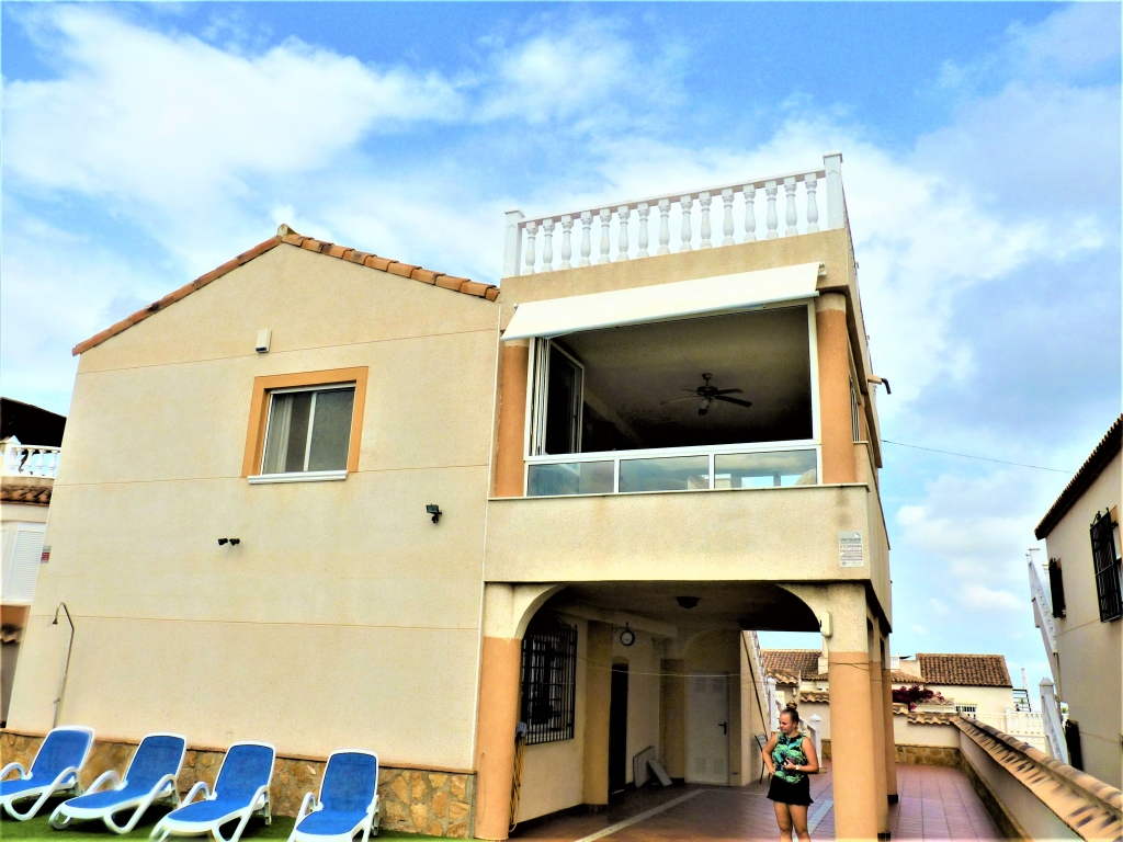 4 Bedroom 3 Bathroom Villa in San Miguel de Salinas