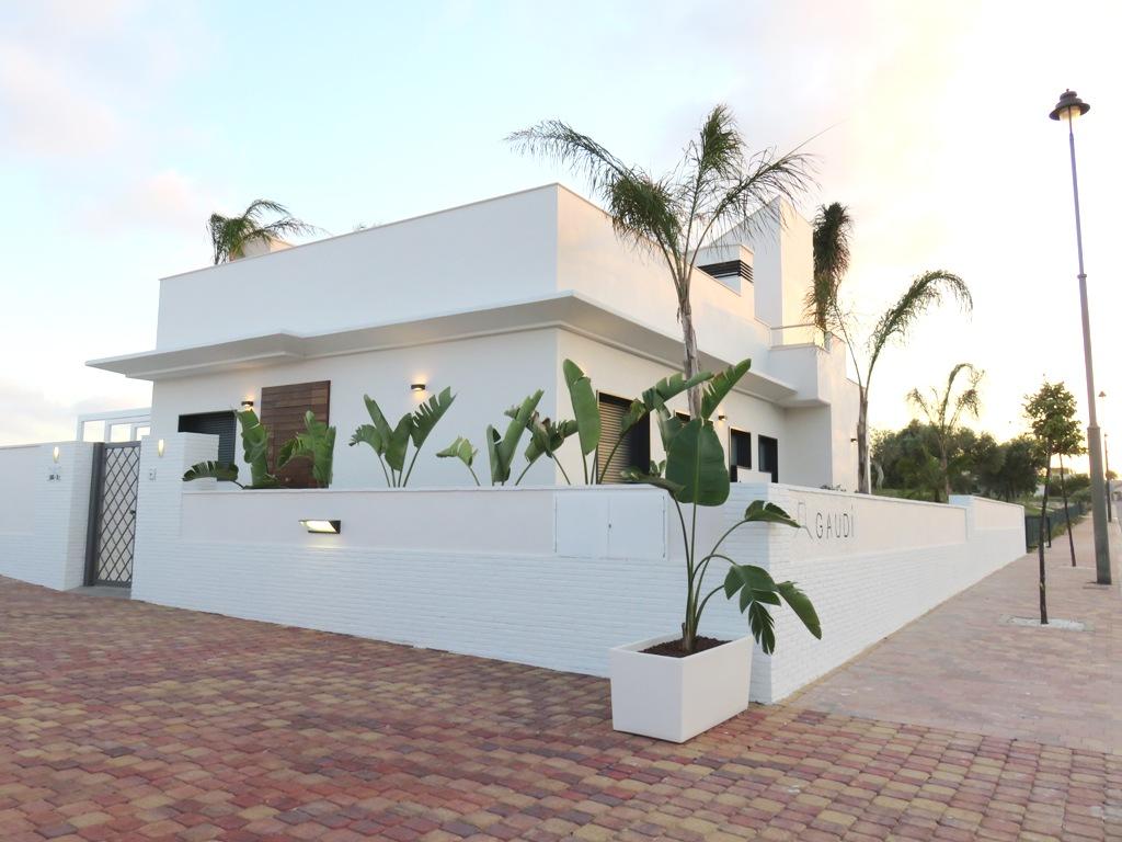 Frontline Golf detached villas