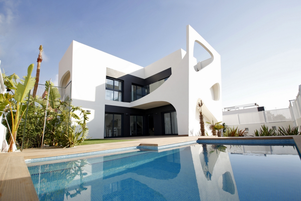 Modern villas, near Lo Pepin