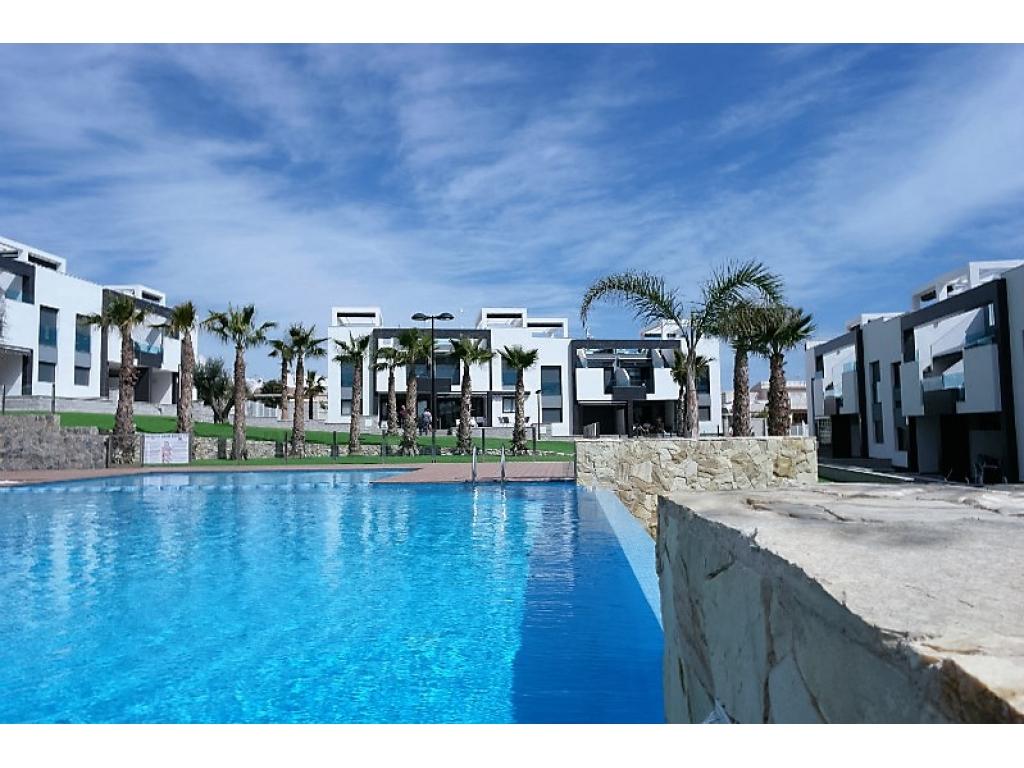 Bungalow/apartments in El Raso, Guardamar