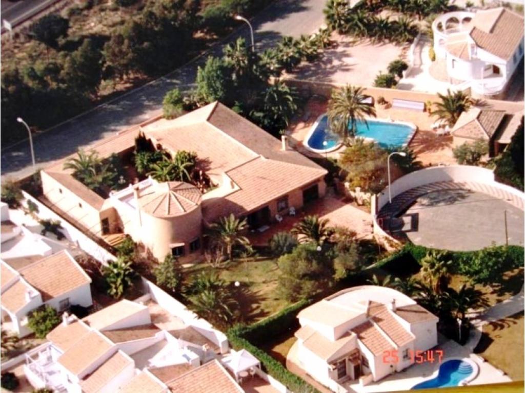 Luxury 7 bedroom villa in Torrevieja