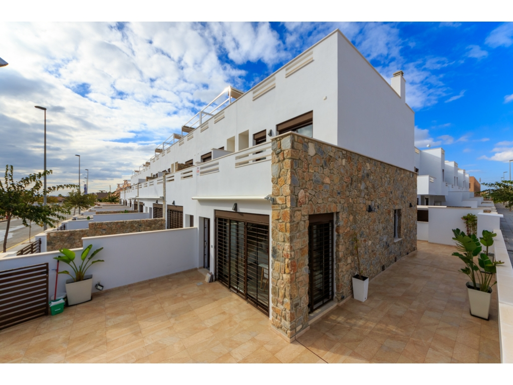 New townhouses in Torrevieja