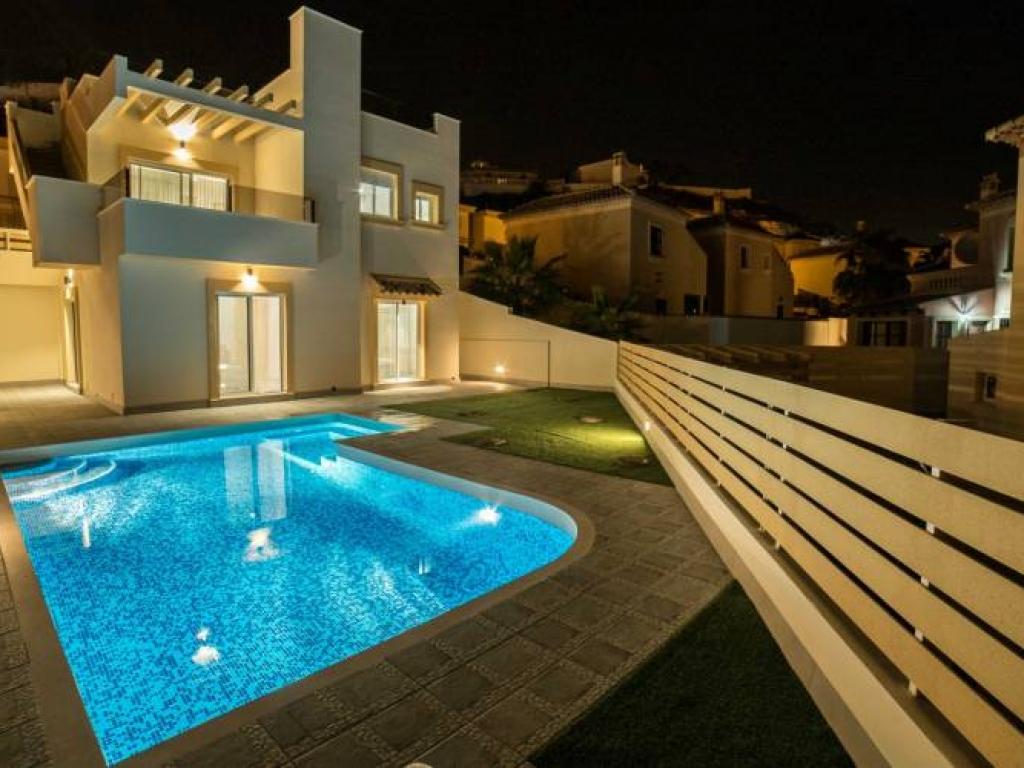 3 Bedroom 3 Bathroom Villa in Rojales