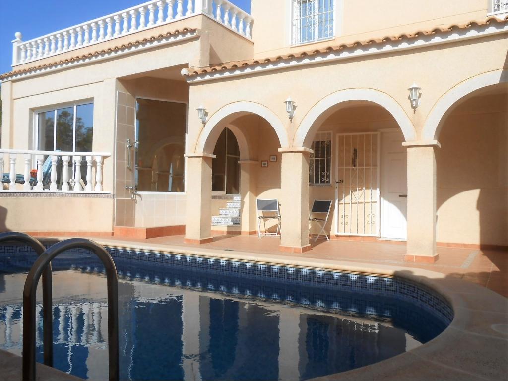 6 Bedroom 4 Bathroom Villa in San Miguel de Salinas