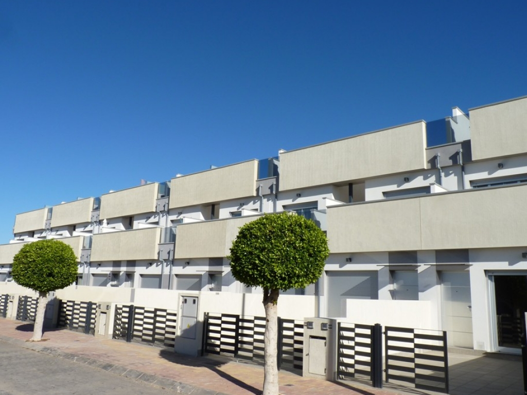 3 Bedroom 2 Bathroom Townhouse in Pilar de la Horadada