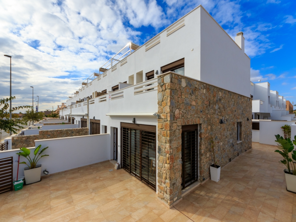 3 Bedroom 2 Bathroom Townhouse in Torrevieja