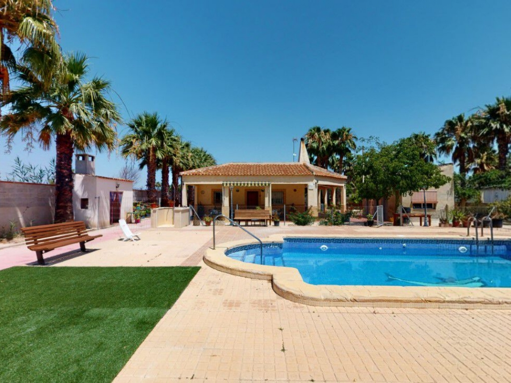 3 Bedroom 3 Bathroom Villa in Catral