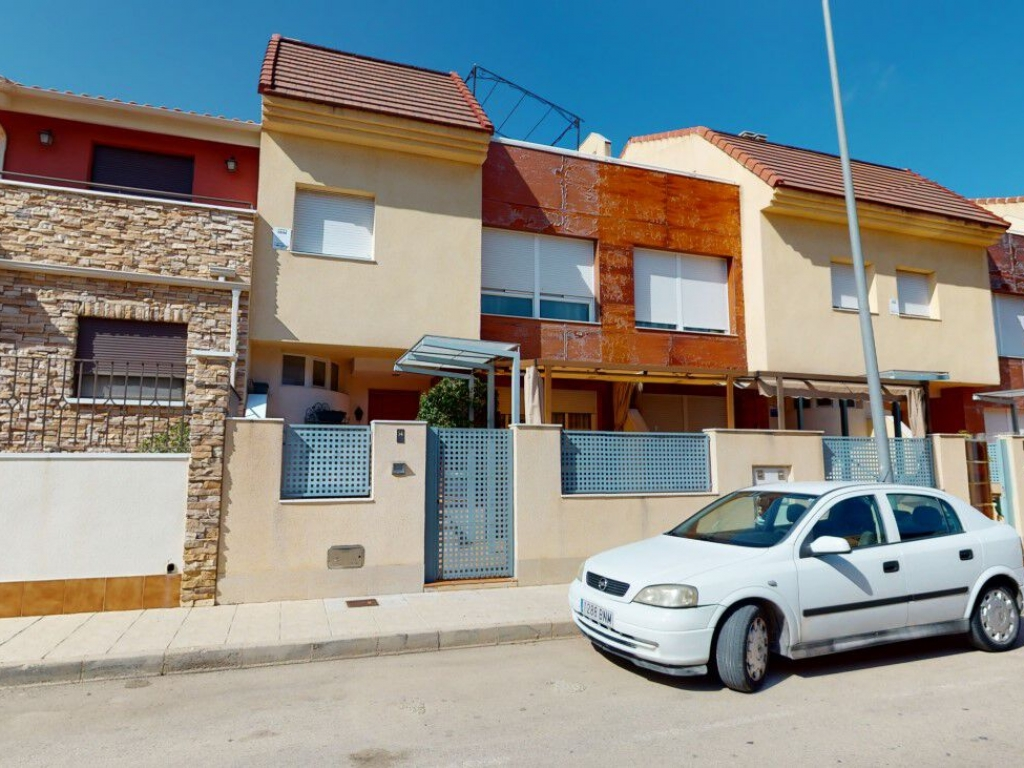5 Bedroom 3 Bathroom Townhouse in San Pedro de Pinatar