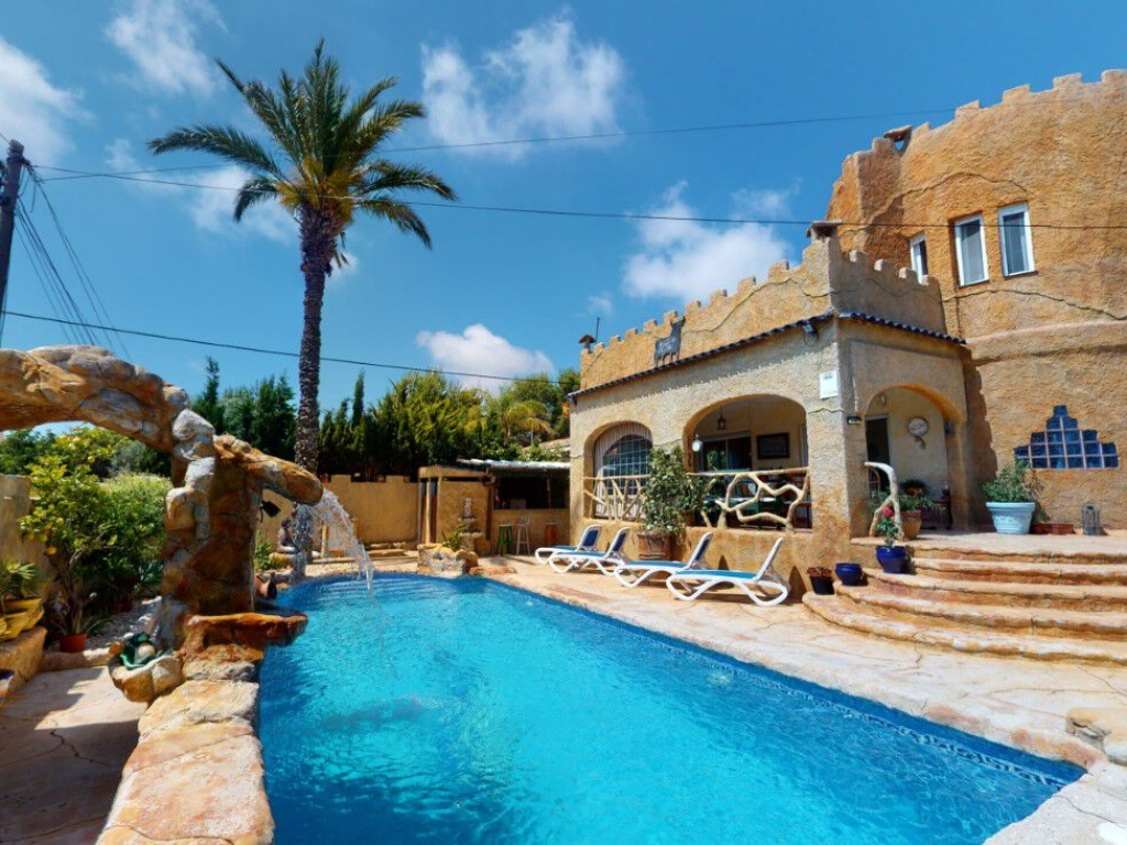 5 Bedroom 7 Bathroom Villa in Campoamor