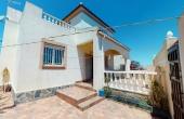 2-1165/495, 5 Bedroom 2 Bathroom Villa in Torrevieja
