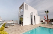 2-1052/560, 3 Bedroom 3 Bathroom Villa in Torrevieja