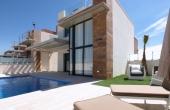 2-596/800, 3 Bedroom 3 Bathroom Villa in Cabo Roig