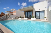 2-515/827, 3 Bedroom 2 Bathroom Villa in Dehesa De Campoamor