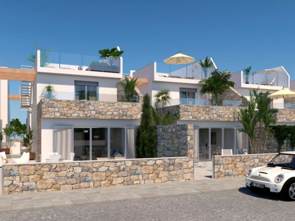 3 Bedroom 2 Bathroom Villa in Los Alcazares