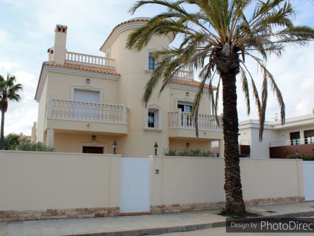 5 Bedroom 4 Bathroom Villa in Cabo Roig