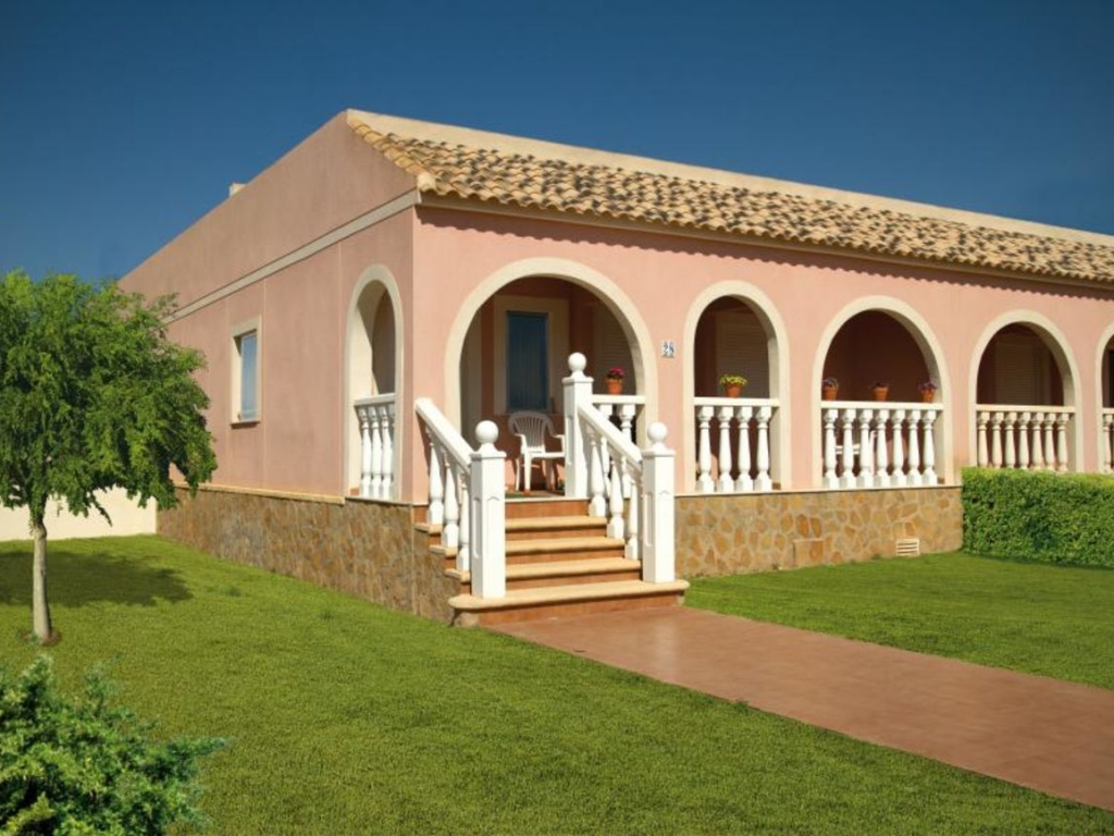 2 Bedroom 1 Bathroom Bungalow in Balsicas